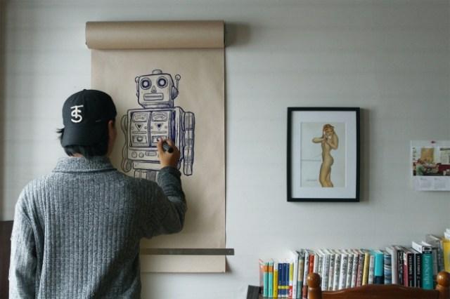 壁に飾れる「でっかい巻物」みたいなロールペーパーが素敵! 絵でも文字でも自由にかきこめるよ