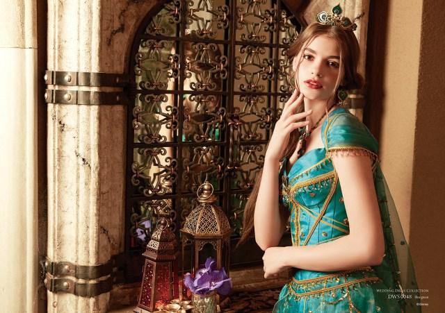 映画『アラジン』のジャスミンをイメージしたウエディングドレスにうっとり♡ パンツルックスタイルも斬新です