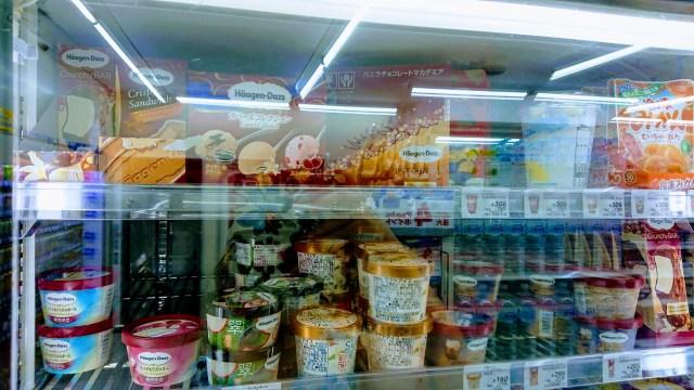 海外で売り物のアイスを舐める「アイスクリームチャレンジ」が流行 → ブームを止めようと生まれたのは「逆手にとる」アイディアでした