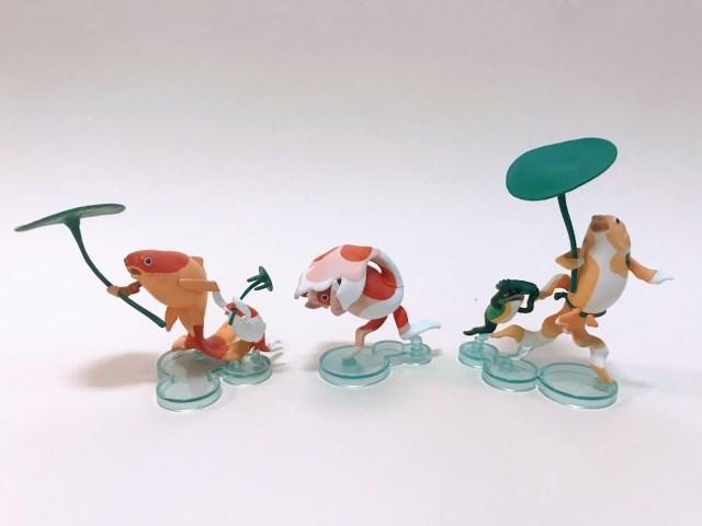 歌川国芳の浮世絵『にはかあめんぼう』がカプセルトイに! カエルや鯉が雨宿りするコミカルな表情と躍動感がたまらんよ~♡