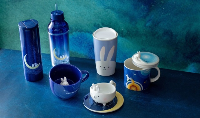 【香港スタバ限定】ウサギや月がデザインされた「中秋節限定グッズ」が可愛すぎる〜! ウサギがそのままグラスになったものも♪