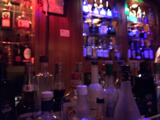おひとり様以外はお断り! ひとりぼっち限定バーに行ってみたら…人のぬくもりに触れた