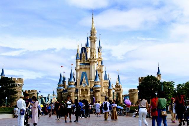 【台風19号】東京ディズニーランドと東京ディズニーシーが休園を発表 /12日は終日、13日は昼頃まで休園予定です