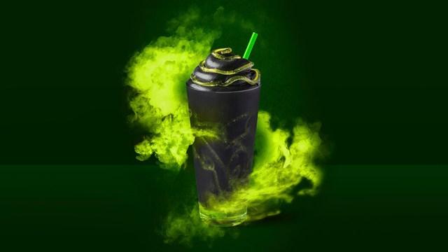 【ハロウィン限定】スタバから真っ黒な「おばけフラペチーノ」が登場! ヨーロッパ各国で飲めるみたい