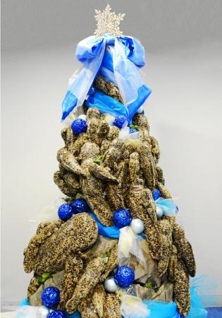 約100体で作った「オオサンショウウオツリー」が京都水族館に登場! 皮膚のテカリや濡れ感を今年はこだわったそうです★