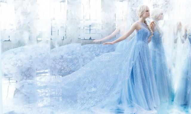 アナとエルサになれるウエディングドレスが素敵! 真っ白なドレスからカラードレスまで完全に再現されています