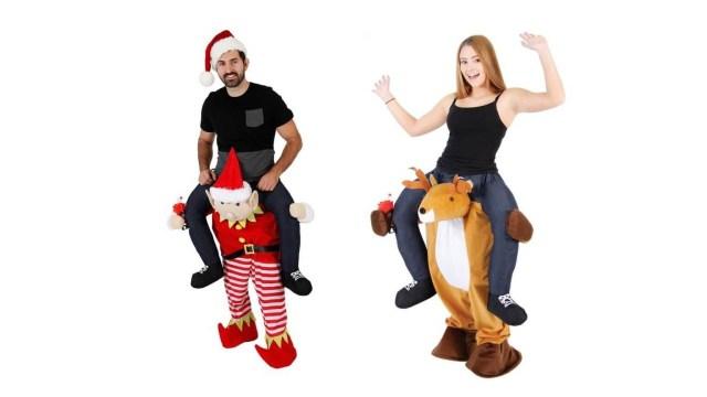 クリスマスの「ダサいセーター」が進化!? サンタやトナカイに肩車されてるみたいなパンツがあったよ!