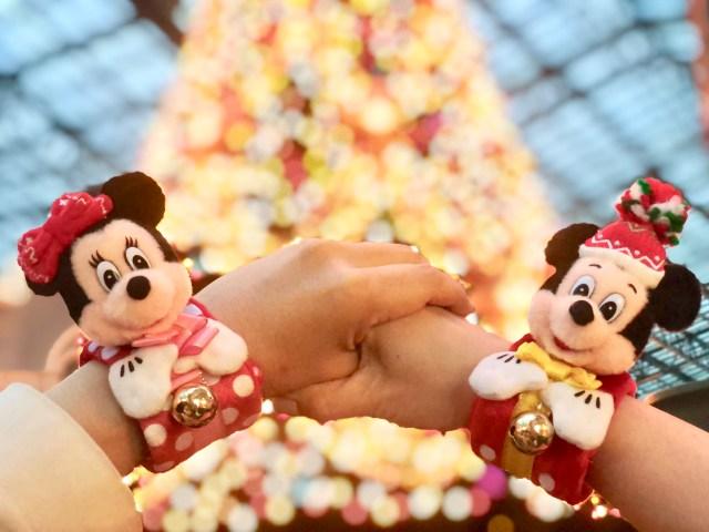 【オススメ】ディズニー・クリスマス限定グッズ「ぬいぐるみバンド」は即ゲットすべし! パレードの楽しみが倍増&手つなぎ写真に盛り上がります