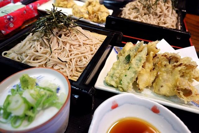 【素朴な疑問】海外在住者が日本に帰国したら食べたくなるものって何?