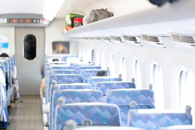 新幹線で帰省するときあるある28 / 「自由席の場合は駅のホームから勝負」など