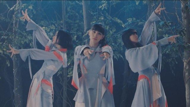 デビュー15年のPerfumeが泣けるサプライズ! 新作MV「再生」で過去の全MVの使用したスペシャルな動画を公開
