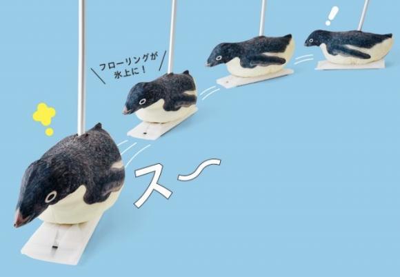 キュートなペンギンが床の上をスイスイ~ッ★ 毎日のお掃除が楽しくなるフローリングワイパーはいかが?