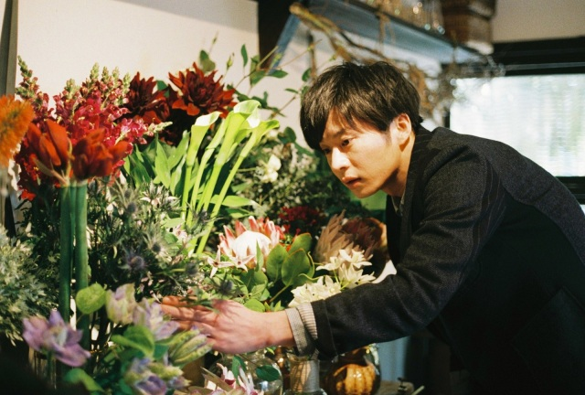 【本音レビュー】映画『mellow』で田中圭がイケメンの花屋さんに!「おっさんずラブ」とは違う癒やし系のモテ男を演じてます