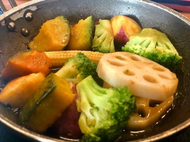 吉野家にある500円の 「ベジ定食」が実はめちゃ美味しい! ゴロゴロ野菜×バター醤油で満足度がめちゃ高いんです