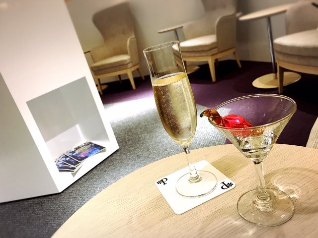超贅沢な「ひとり映画鑑賞」を体験してみたら…シャンパンとゴディバと高級家具カッシーナが待っていた!!