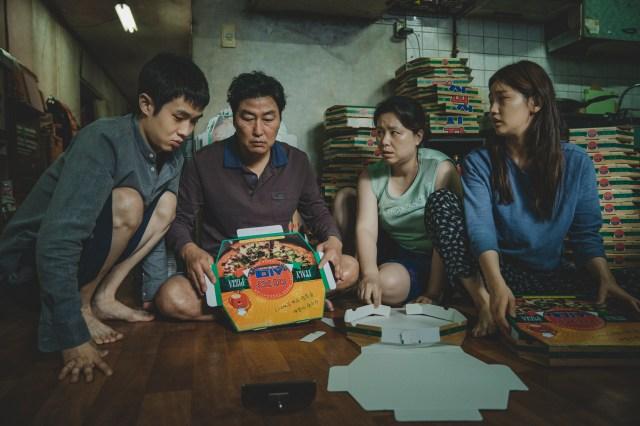 カンヌ最高賞受賞!韓国映画『パラサイト 半地下の家族』はコメディから予測不能サスペンスへと展開していく名作です