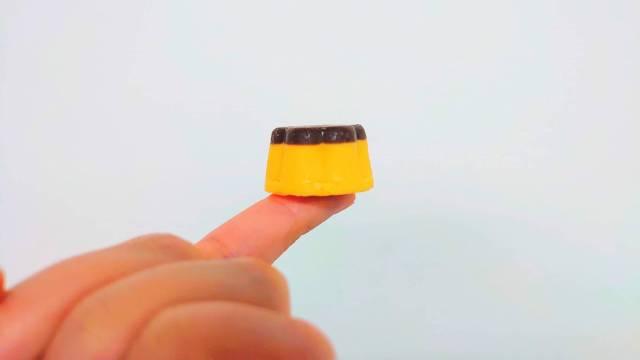 ファミマに超小さいプリンがあるって知ってた? その名も「なめらかプリンチョコ」