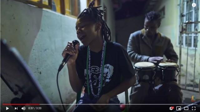 アフリカのストリートで椎名林檎を演奏する家族が素敵 / 『長く短い祭』を日本語で歌い上げています
