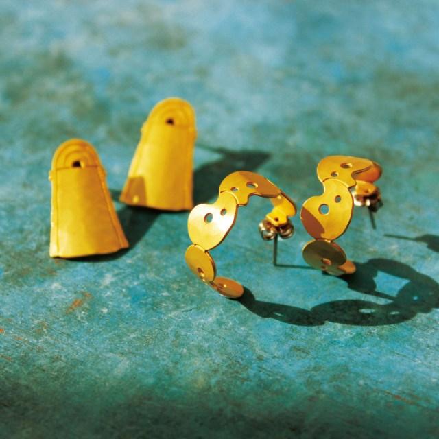 銅鐸や勾玉モチーフのイヤーアクセが個性的! 古代ロマンあふれるアイテムで耳元のおしゃれを楽しめるよ