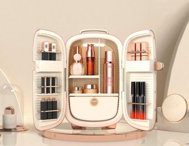 日本初上陸の「コスメ専用冷蔵庫」がかわいくって機能的! 化粧品の劣化を防ぐ最適な温度で管理&収納できちゃうよ | Pouch[ポーチ]