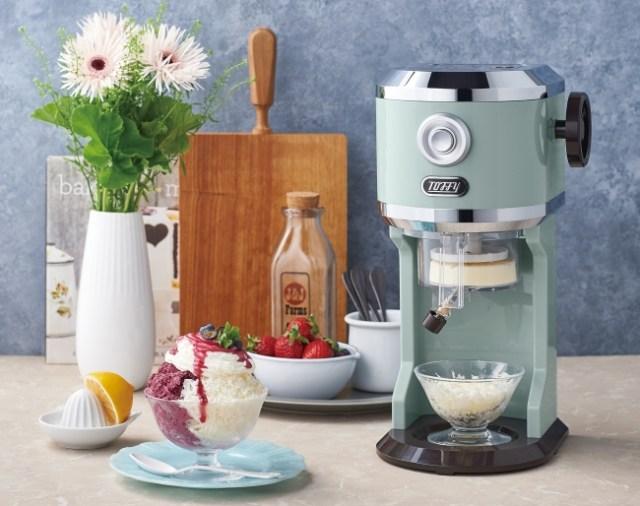 レトロかわいいデザインの「かき氷器」でお家時間を楽しもう♪ 「お店で食べるふわふわかき氷」も作れちゃうよ~