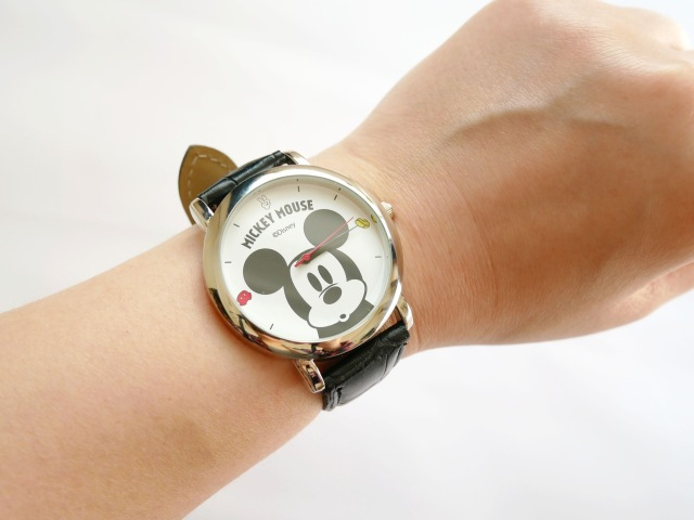 steady.(ステディ)5月号の付録はミッキーマウスの腕時計! クラシカルで高級感のある見た目だけど使い心地は…?