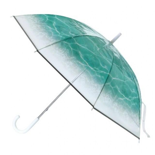 幻想的な水面を描いたビニール傘が美しい…! 傘を開くたび海中散歩している気分を味わえそうです♪