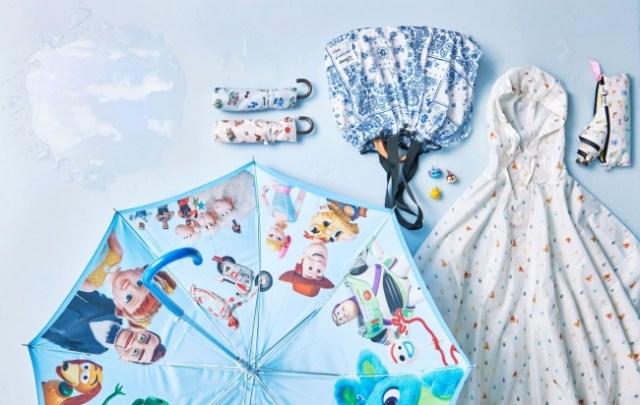 ディズニーストアのレイングッズがロマンティック! じめじめ梅雨を吹き飛ばす傘やバッグなどが登場したよ