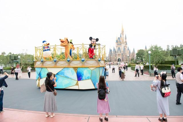 東京ディズニーリゾートが再開後の「新しい運営方法」を発表! 「アトラクションは間隔をあける」「グリーティングは休止」など事前にチェックを