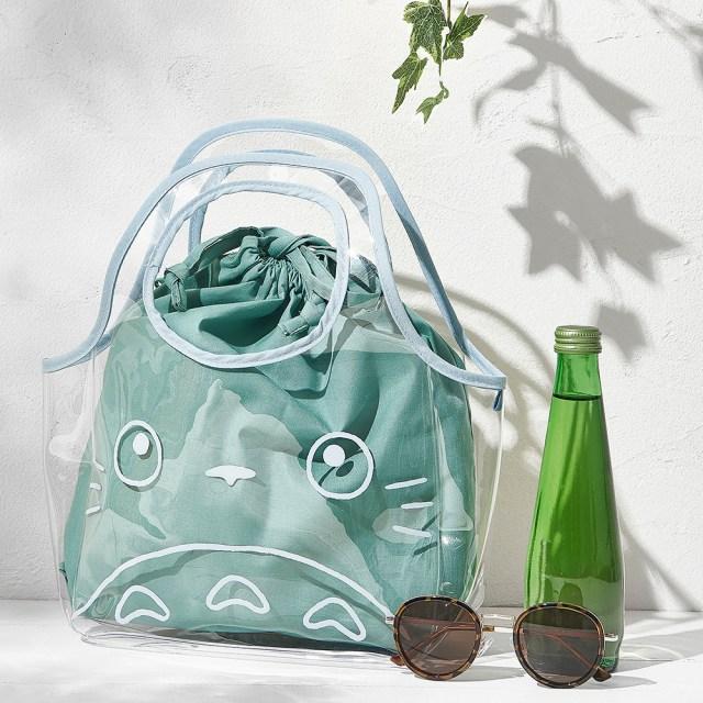 「となりのトトロ」の夏バッグが郵便局のネットショップに登場! ジムやプールで使えるクリア素材だよ