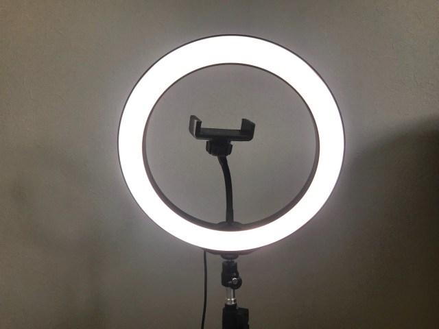 WEB会議や面接に「照明」があるだけで印象は変わるのか? 楽天市場で購入したリングライトで実践してみたよ