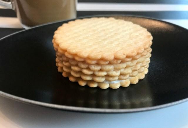 クッキーでミルクレープが作れる! ハーベストとヨーグルトで作る超簡単「ハーベストミルフィーユサンドミルクレープ風」