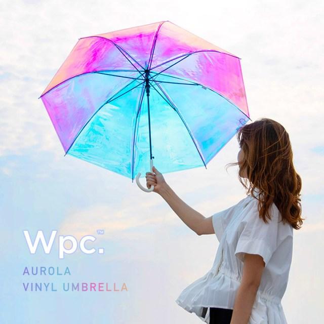 雨の日が楽しくなりそうな「オーロラ傘」にときめく…! 光の角度や反射で色が変わるよ