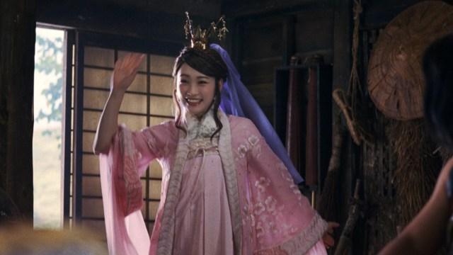 au三太郎CMに川栄李奈の「織ちゃん」が帰ってきたよ~! 金ちゃんとイチャイチャ→ビンタと嵐のような展開に