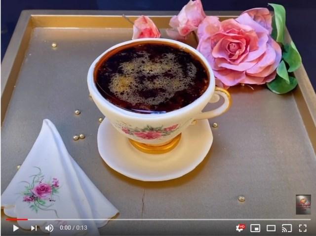 コーヒーにしか見えないけど実は「ケーキ」! 淹れたてのコーヒーならではの「気泡」まで再現されています…!