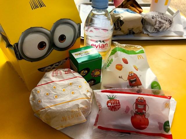 マクドナルドのハッピーセットは国によって違う! フランスでは野菜やフルーツも選べてビックリ