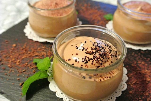 【材料3つ】ムースみたいな「魔法のコーヒークリーム」が絶品! インスタントコーヒーと砂糖を混ぜるだけの不思議デザート