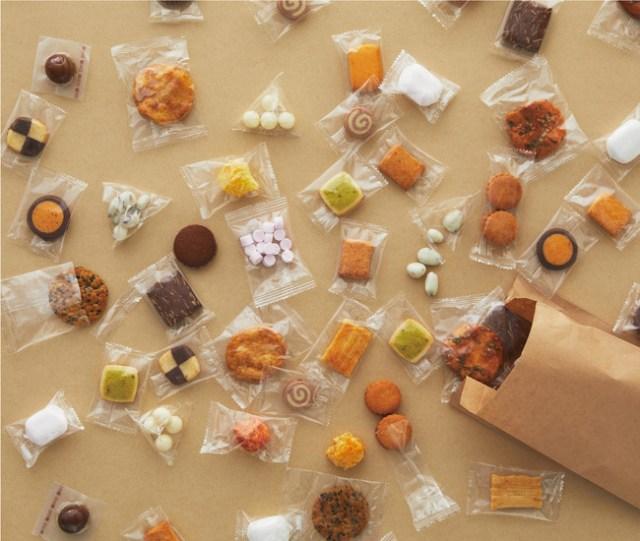 無印良品が1g 4円で「お菓子の量り売り」を始めるよ~! クッキーやチョコなどの28種類から好きなものを選べてワクワクしそう