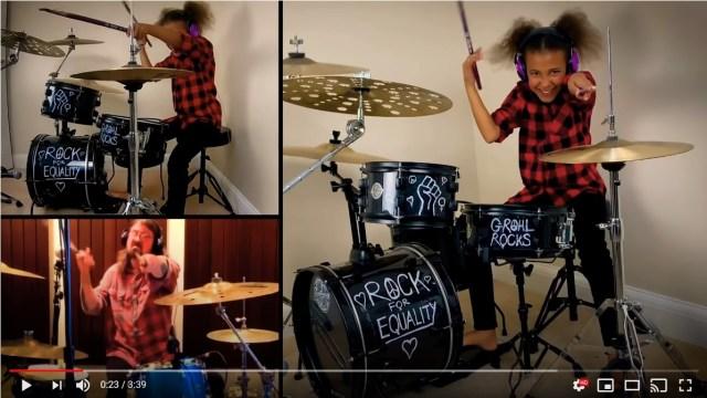 10歳の少女が憧れのロックスターにドラムバトルを申しこんだら…夢が叶った! バトル動画が世界中で話題に