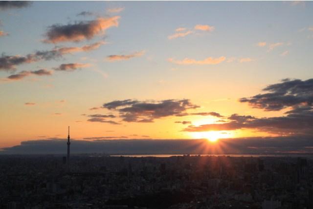 【160名限定】サンシャイン60展望台で「初日の出 2021年特別営業」が行われるよ~! 朝焼けに染まる東京の絶景を拝めます
