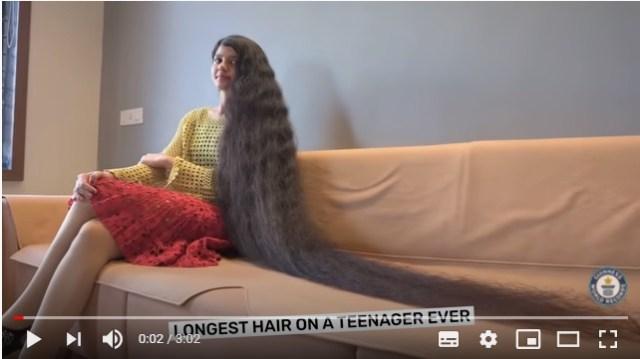 「世界でもっとも髪の長い10代」ギネス世界記録に認定! 2mの長さの髪を持つ女子がリアル・ラプンツェル