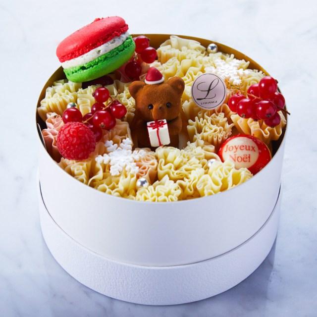 ブーケみたいなケーキの中にクマちゃんがちょこん…高級スイーツブランド「ルワンジュ東京」のクリスマスケーキが可愛いっ♪