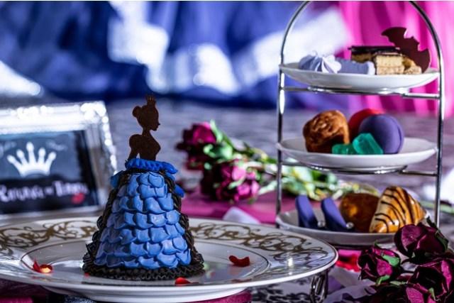 ヴィランズのアフタヌーンティーがミステリアスで素敵! 青いケーキや紫のマカロン、黒いサンドイッチに目を奪われる…