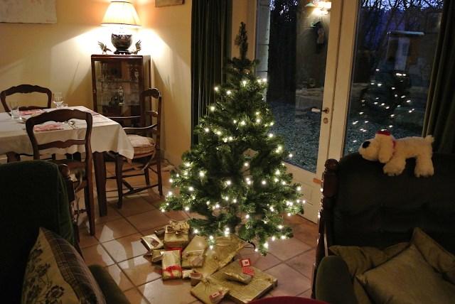 フランスのクリスマスはロマンチックさゼロ、にびっくりした話 / プレゼントの出費が半端じゃないです