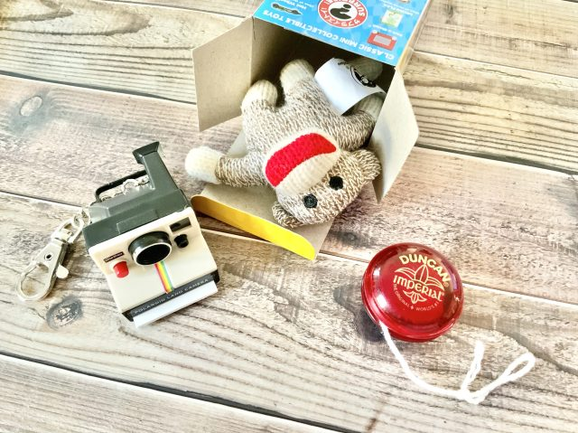 海外のおもちゃがリアルなミニチュアに! 推しぬいと遊べる「ワールズスモーレスト」がめちゃめちゃキュート