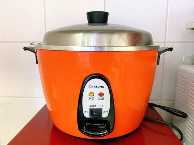 台湾の調理家電「大同電鍋」の使い方は? 水を入れてスイッチオンで放っておいても絶品「煮込み料理」ができちゃうよ