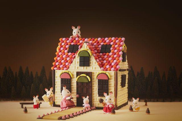 明治のチョコレートで再現されたシルバニア「赤い屋根のお家」がかわいすぎ♡ 作り方も公開されてるよ〜