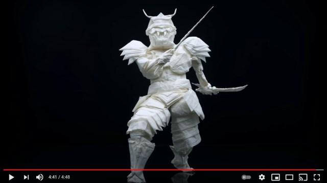 たった1枚の紙で彫刻を作る!? 折り紙アーティストが制作した「甲冑を着た武士」のクオリティーにビックリ