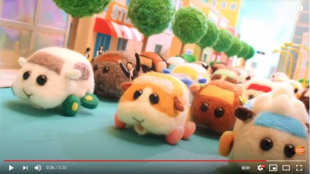 テレ東のパペットアニメ『PUI PUI モルカー』に魅了される大人が増加中! 癒やし度満点のモルモットが殺伐とした街を走ります