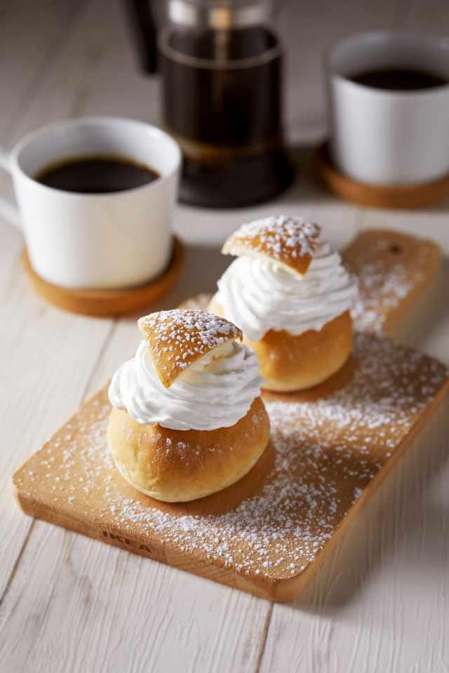 春を告げるスウェーデンの伝統菓子「セムラ」がイケアに期間限定で登場! カルダモンの香りが広がるスイーツで北欧気分が味わえるよ
